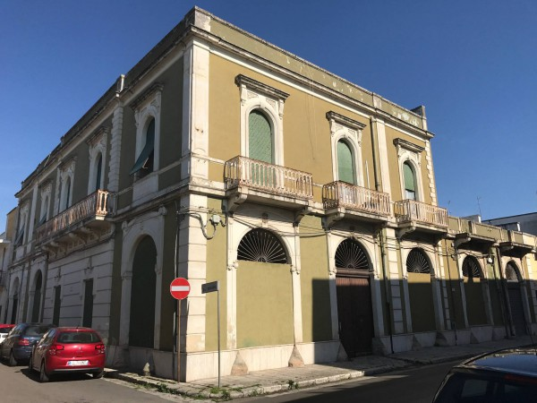 Palazzo / Stabile in Vendita a Trepuzzi