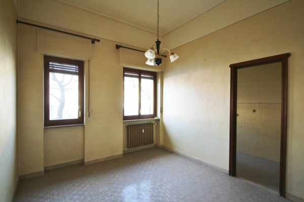 Appartamento in Affitto a Boves Centro: 5 locali, 120 mq