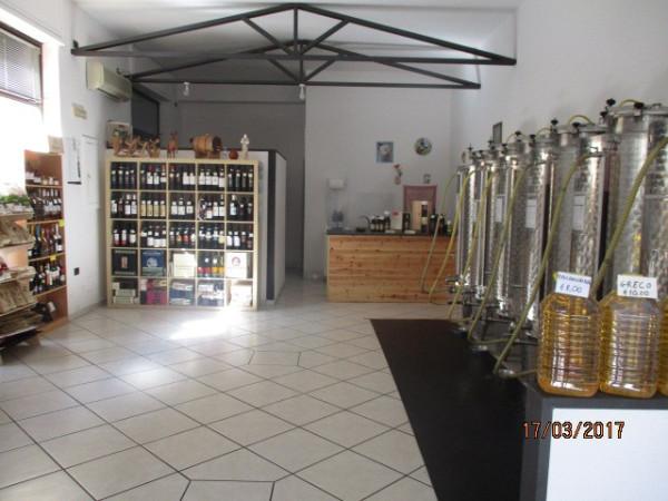 Attività / Licenza in vendita a Mercato San Severino, 1 locali, prezzo € 17.500 | Cambio Casa.it