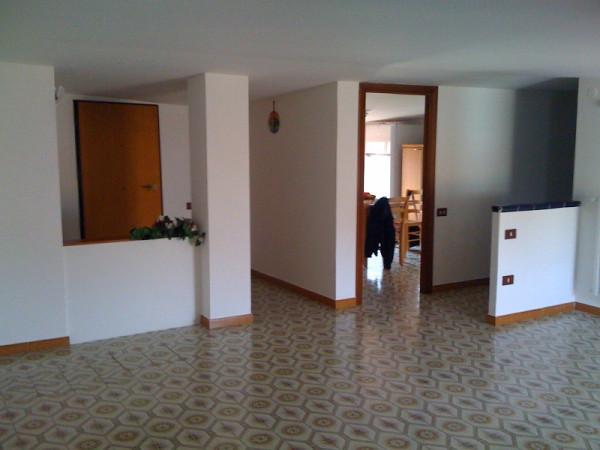 Attico / Mansarda in affitto a Mercato San Severino, 3 locali, prezzo € 350 | Cambio Casa.it