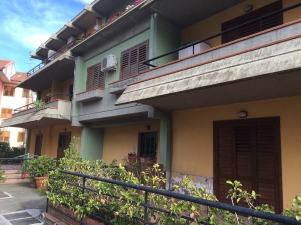Appartamento in Vendita a Aci Castello Periferia: 5 locali, 120 mq