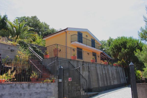 Villa in Vendita a Nicolosi: 3 locali, 80 mq