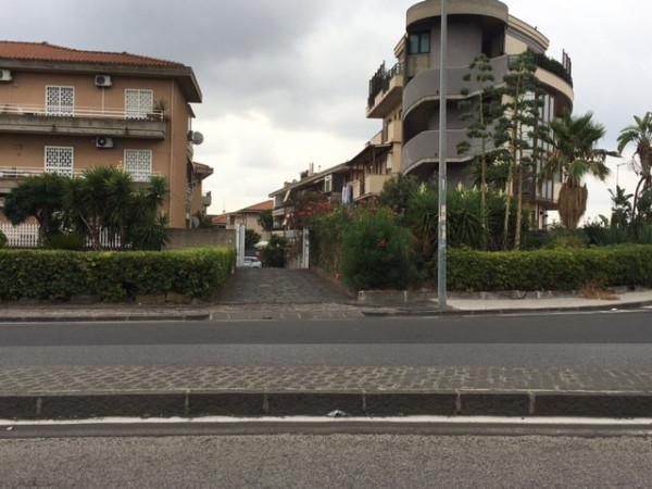 Magazzino in Vendita a Catania: 2 locali, 250 mq