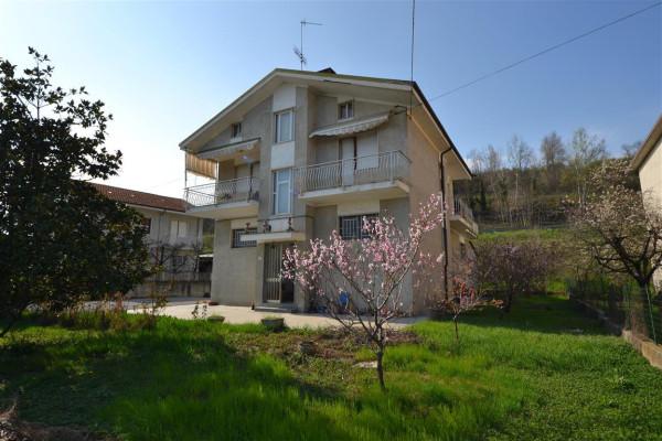 Villa in Vendita a Clavesana Centro: 4 locali, 230 mq