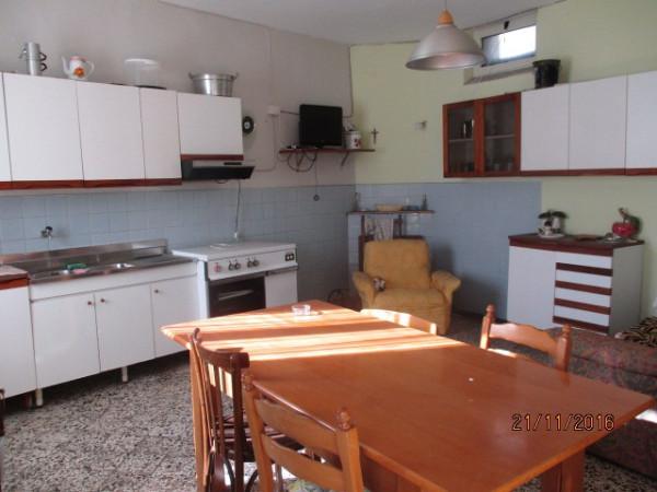 Appartamento in vendita a Calvanico, 3 locali, prezzo € 59.000 | CambioCasa.it
