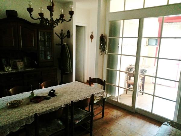Appartamento in vendita a Latina, 4 locali, prezzo € 100.000 | CambioCasa.it