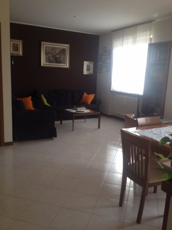 Appartamento in affitto a Villa Guardia, 3 locali, prezzo € 650 | Cambio Casa.it