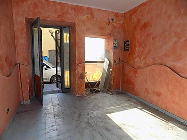Negozio / Locale in affitto a Qualiano, 1 locali, prezzo € 300 | Cambio Casa.it