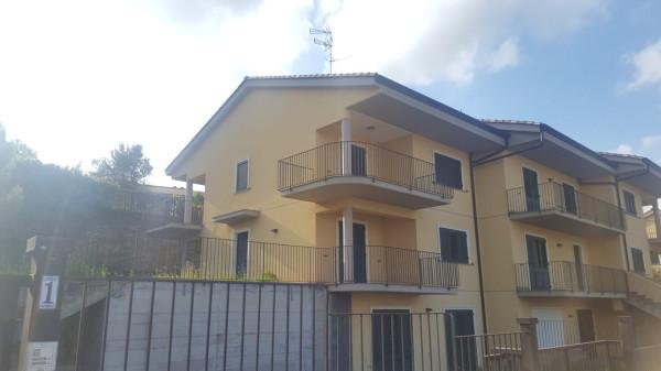 Villetta in Vendita a Aci Catena Periferia: 5 locali, 216 mq