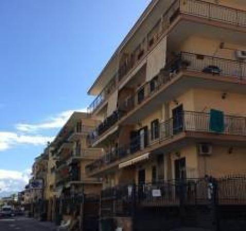 Appartamento in affitto a Orta di Atella, 4 locali, prezzo € 450 | Cambio Casa.it