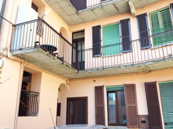 Appartamento in vendita a Azzate, 3 locali, prezzo € 87.000 | CambioCasa.it