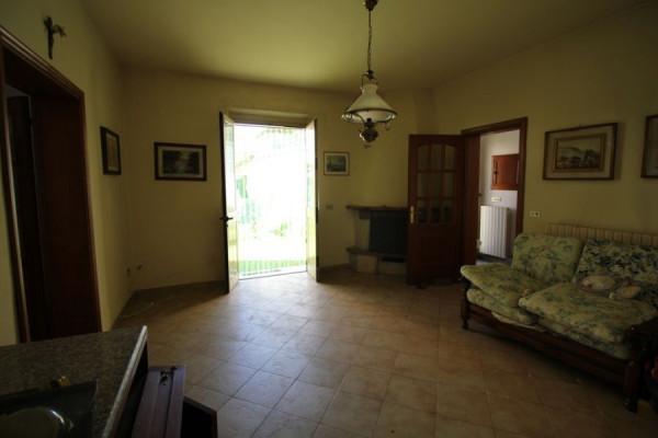 Villa in Vendita a Ponsacco Centro: 5 locali, 281 mq