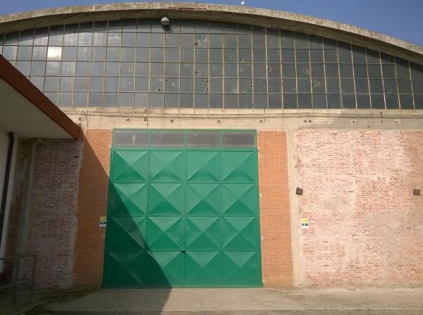 Magazzino in affitto a Vinovo, 1 locali, prezzo € 2.500 | Cambio Casa.it