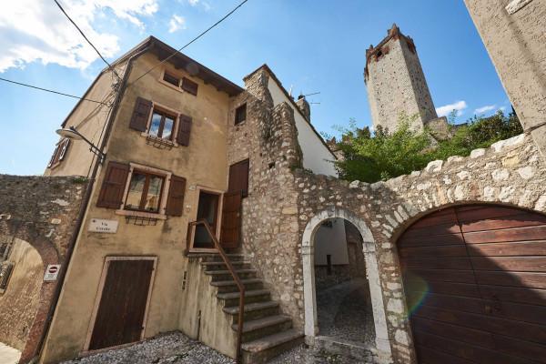 Rustico / Casale in vendita a Malcesine, 4 locali, prezzo € 280.000 | Cambio Casa.it