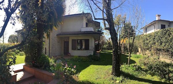 Villa in vendita a Gussago, 5 locali, prezzo € 499.000 | CambioCasa.it
