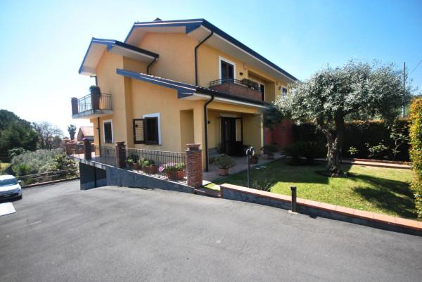 Villetta in Vendita a Pedara Centro: 5 locali, 250 mq