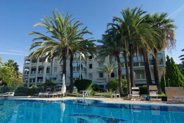 Appartamento in affitto a Bordighera, 4 locali, prezzo € 1.000 | CambioCasa.it