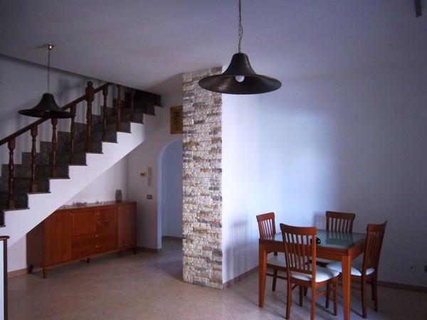 Appartamento in vendita a Ladispoli, 5 locali, prezzo € 199.000 | Cambio Casa.it