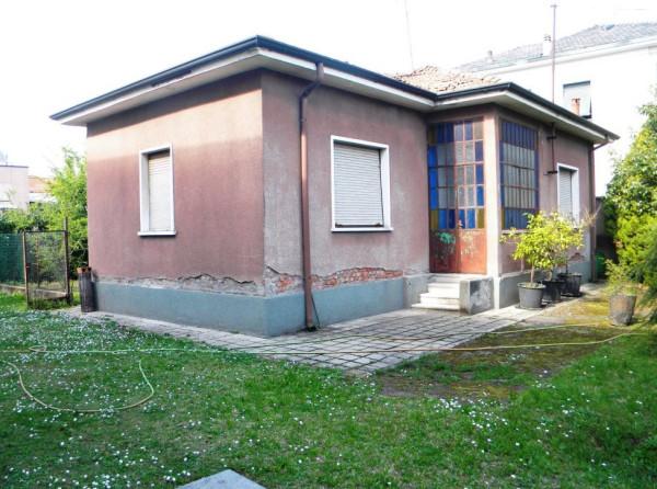 Villa in vendita a Busto Arsizio, 2 locali, prezzo € 110.000 | Cambio Casa.it