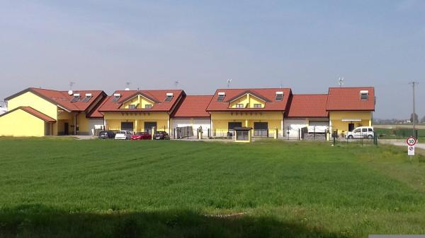 Villa a Schiera in vendita a Robecco Pavese, 4 locali, prezzo € 147.000   CambioCasa.it