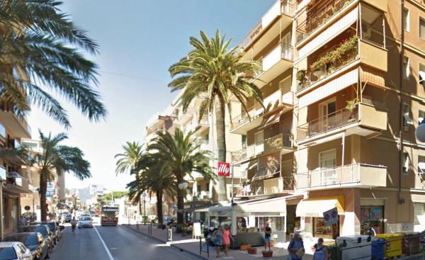Appartamento in Vendita a Pietra Ligure Centro: 2 locali, 45 mq