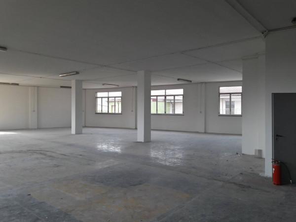Capannone in affitto a Baranzate, 2 locali, prezzo € 3.800 | Cambio Casa.it
