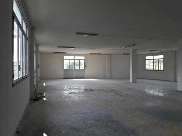 Capannone in affitto a Baranzate, 1 locali, prezzo € 2.000 | Cambio Casa.it