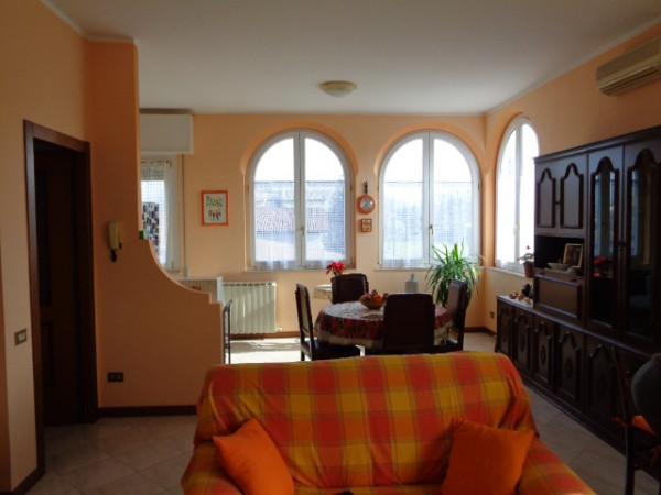 Villa in vendita a Cremona, 6 locali, prezzo € 370.000 | Cambio Casa.it