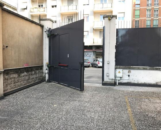 Magazzino in Vendita a Milano 13 Marcona / Montenero / Umbria / Lomellina: 3 locali, 120 mq