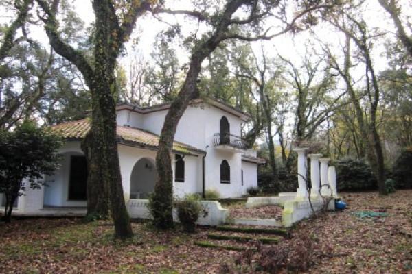 Villa in vendita a Sabaudia, 5 locali, prezzo € 750.000   Cambio Casa.it