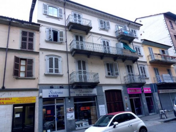 Appartamento in Vendita a Torino Semicentro: 4 locali, 110 mq