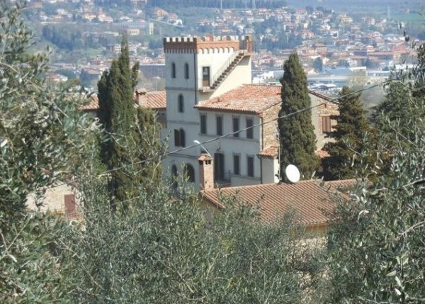 Palazzo in Vendita a Piegaro: 5 locali, 500 mq