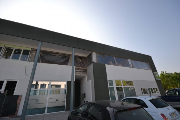 Ufficio-studio in Affitto a San Giovanni In Persiceto: 1 locali, 100 mq