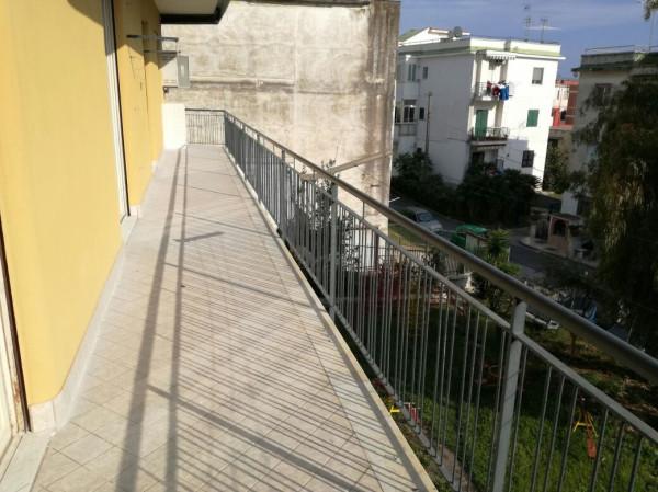 Appartamento in affitto a Pozzuoli, 3 locali, prezzo € 720 | Cambio Casa.it