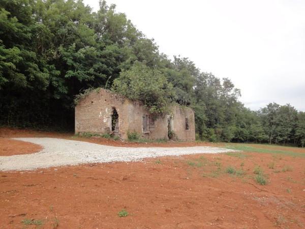Rustico / Casale in vendita a Volpago del Montello, 9999 locali, prezzo € 100.000 | CambioCasa.it