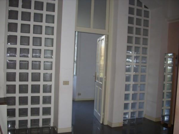 Ufficio / Studio in affitto a Ariccia, 6 locali, prezzo € 900 | CambioCasa.it