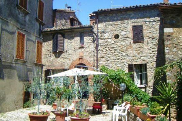 Appartamento in vendita a Ficulle, 6 locali, prezzo € 230.000 | CambioCasa.it