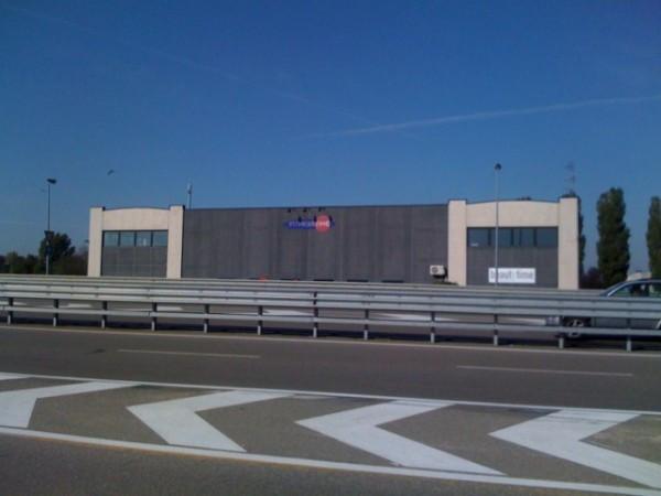 Capannone in vendita a Parma, 6 locali, prezzo € 980.000 | CambioCasa.it