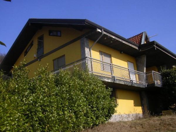 Villa in vendita a Montalenghe, 6 locali, prezzo € 220.000 | Cambio Casa.it