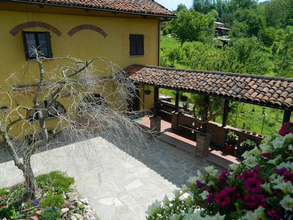 Rustico in Vendita a Ferrere Periferia: 5 locali, 500 mq