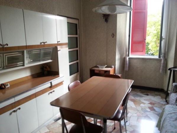 Appartamento in vendita a Varano Borghi, 4 locali, prezzo € 80.000 | Cambiocasa.it