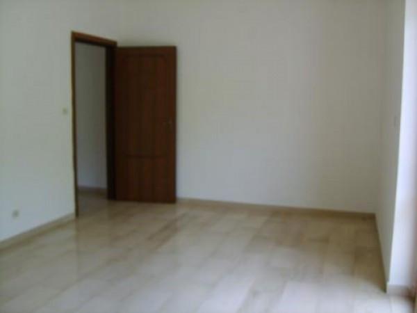 Appartamento in vendita a Isola del Gran Sasso d'Italia, 6 locali, prezzo € 105.000 | Cambio Casa.it