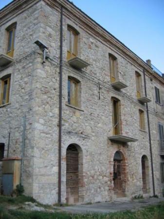 Soluzione Indipendente in vendita a Isola del Gran Sasso d'Italia, 6 locali, prezzo € 55.000 | Cambio Casa.it