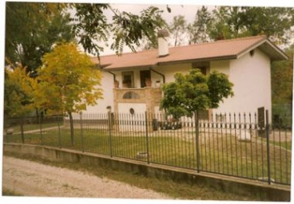 Rustico / Casale in vendita a Castel Castagna, 6 locali, prezzo € 290.000 | Cambio Casa.it