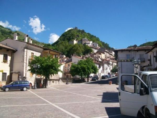 Appartamento in vendita a Roccaraso, 4 locali, prezzo € 49.000 | CambioCasa.it