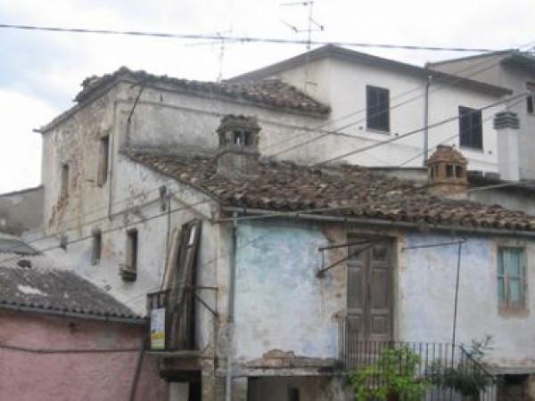 Rustico / Casale in vendita a Colledara, 5 locali, prezzo € 7.500 | CambioCasa.it