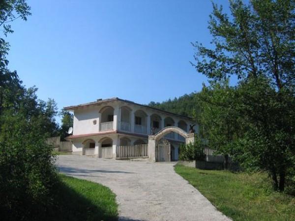 Rustico / Casale in vendita a Castelli, 9999 locali, prezzo € 329.000   Cambio Casa.it