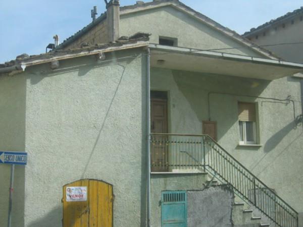 Soluzione Indipendente in vendita a Colledara, 5 locali, prezzo € 35.000 | Cambio Casa.it