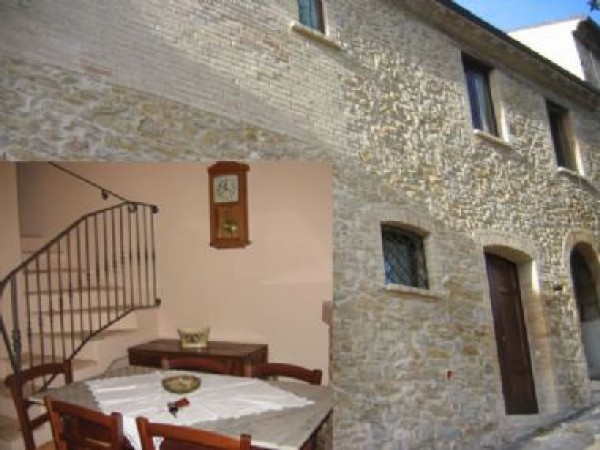 Appartamento in vendita a Colledara, 5 locali, prezzo € 70.000 | Cambio Casa.it
