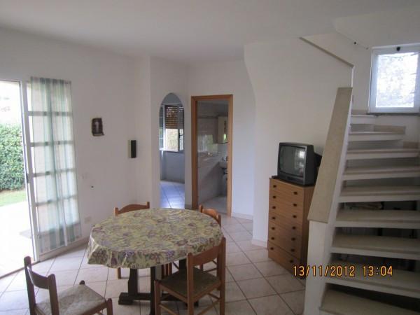 Villa in vendita a Tarquinia, 6 locali, prezzo € 300.000 | Cambio Casa.it
